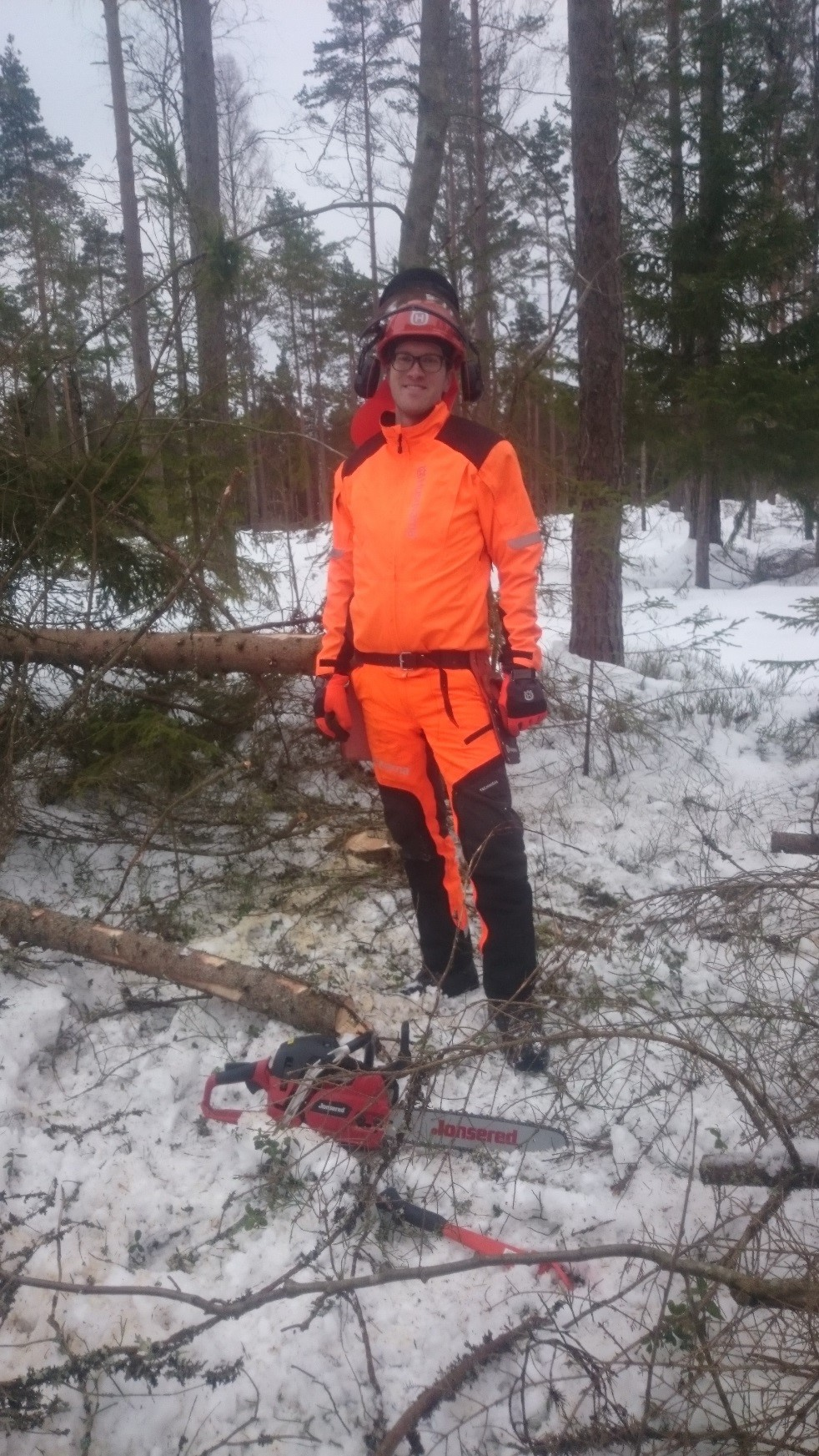 Example of tacit knowledge: chainsaw training with colleagues from Huskvarna R&D